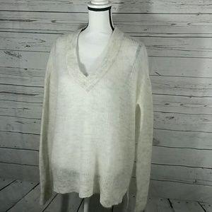NWT H&M mohair blend v-neck sweater medium-sized